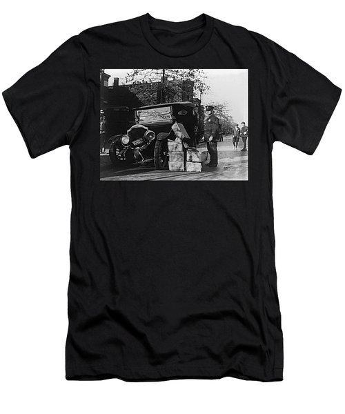 Moonshine Car Chase Men's T-Shirt (Athletic Fit)