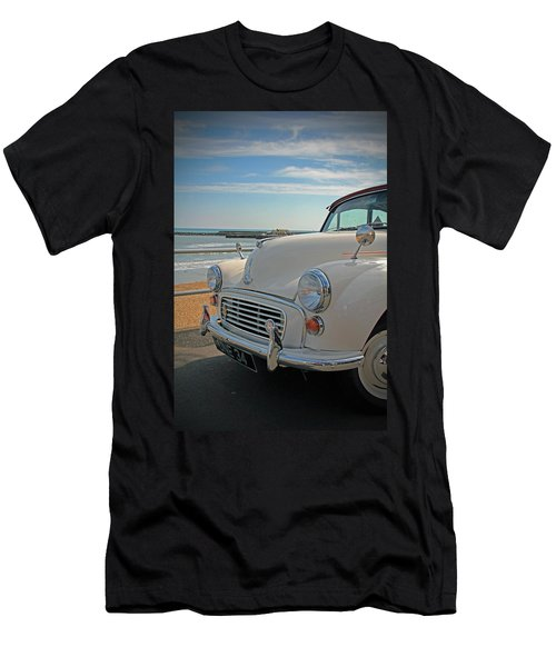 Morris Minor At The Beach Men's T-Shirt (Athletic Fit)