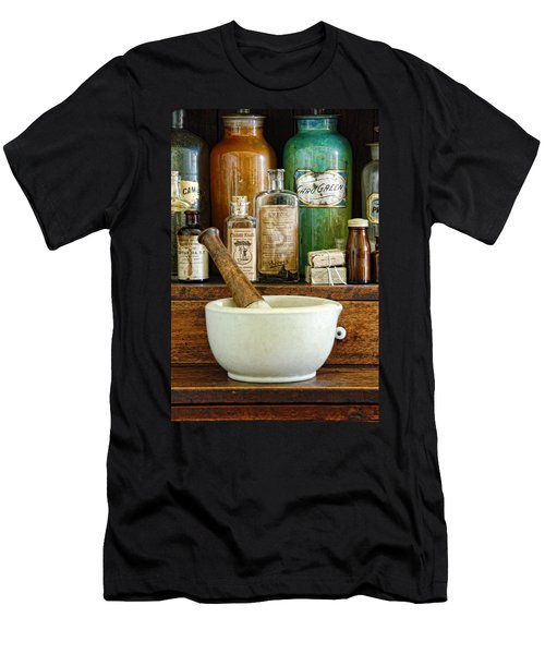 Mortar And Pestle Men's T-Shirt (Athletic Fit)