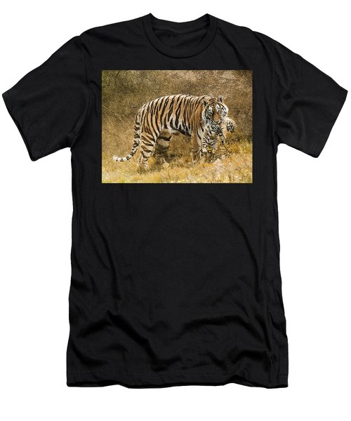 Mother Tiger And Cub Men's T-Shirt (Athletic Fit)
