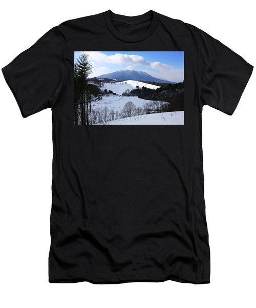 Mount Jefferson Winter Men's T-Shirt (Athletic Fit)