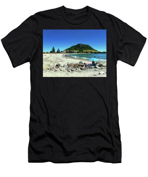 Mount Maunganui Beach 1 - Tauranga New Zealand Men's T-Shirt (Athletic Fit)