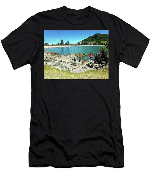 Mount Maunganui Beach 12 - Tauranga New Zealand Men's T-Shirt (Athletic Fit)