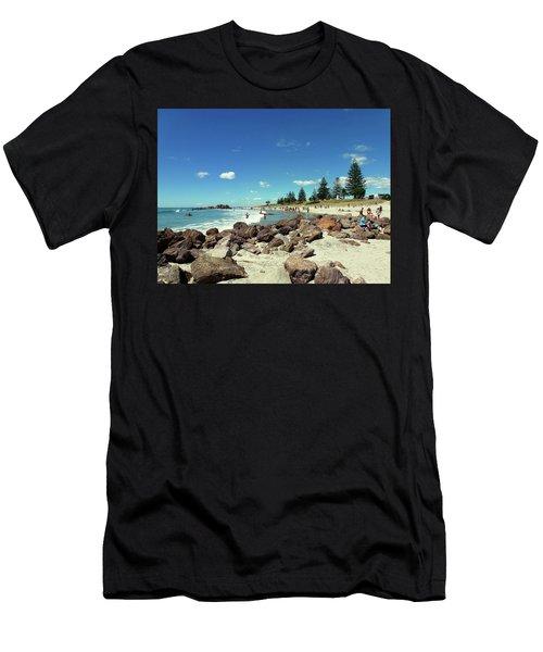 Mount Maunganui Beach 2 - Tauranga New Zealand Men's T-Shirt (Athletic Fit)
