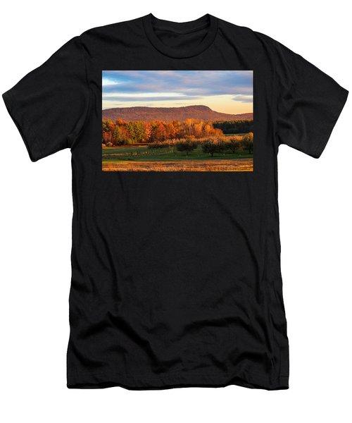 Mount Tom Foliage View Men's T-Shirt (Athletic Fit)