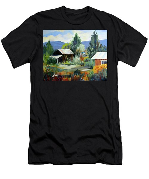Mountain Settlement In New Mexico  Men's T-Shirt (Athletic Fit)