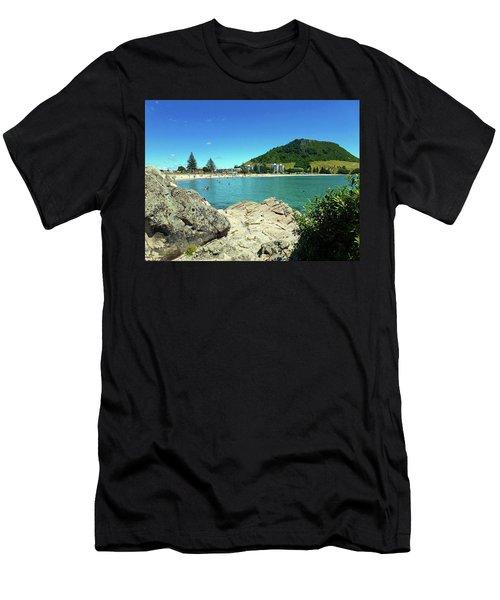 Mt Maunganui Beach 13 - Tauranga New Zealand Men's T-Shirt (Athletic Fit)