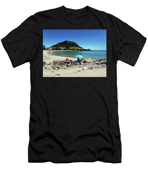 Mt Maunganui Beach 5 - Tauranga New Zealand Men's T-Shirt (Athletic Fit)