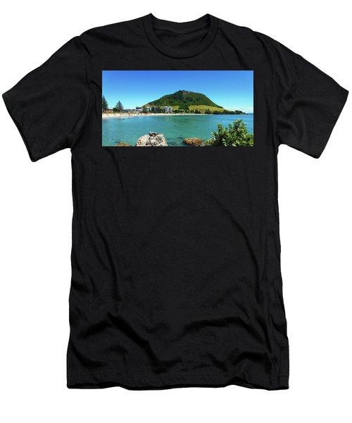Mt Maunganui Beach 7 - Tauranga New Zealand Men's T-Shirt (Athletic Fit)