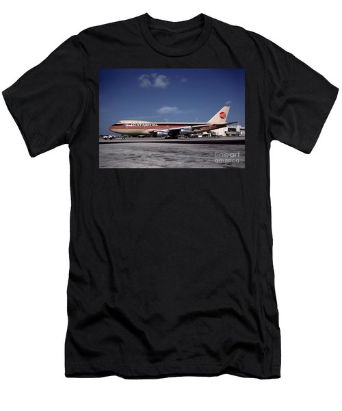 N17011, Continental Airlines, Boeing 747-143 Men's T-Shirt (Athletic Fit)