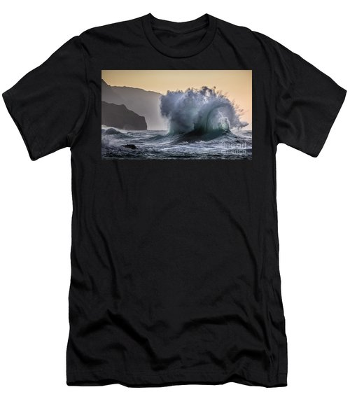 Napali Coast Kauai Wave Explosion Men's T-Shirt (Athletic Fit)