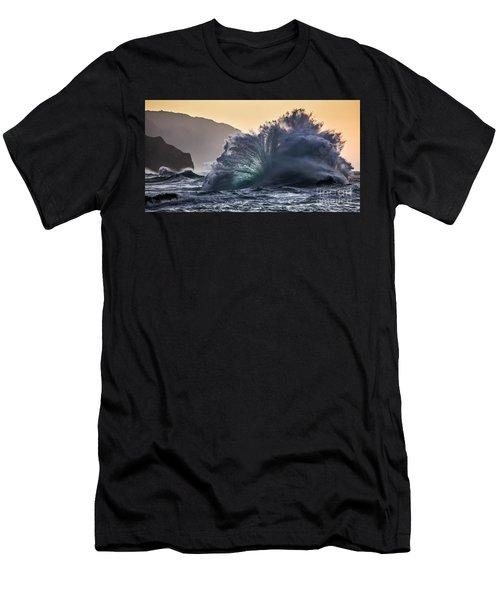 Napali Coast Kauai Wave Explosion Hawaii Men's T-Shirt (Athletic Fit)