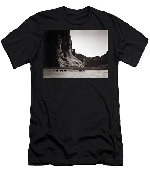 Navajos: Canyon De Chelly, 1904 Men's T-Shirt (Athletic Fit)