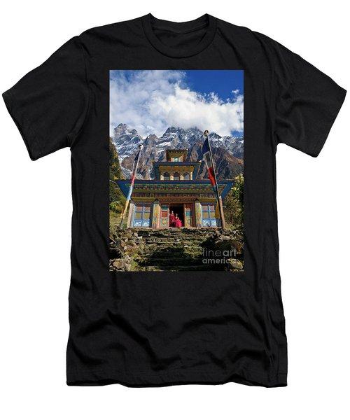 Nepal_d1062 Men's T-Shirt (Athletic Fit)