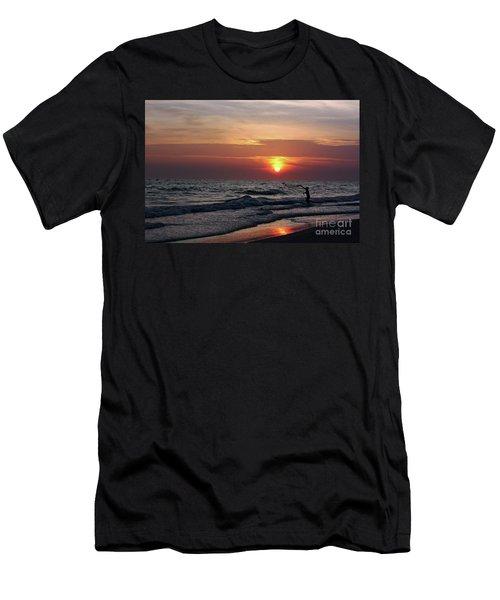 Net Casting Men's T-Shirt (Athletic Fit)