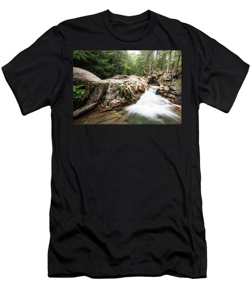New England Waterfall Men's T-Shirt (Athletic Fit)