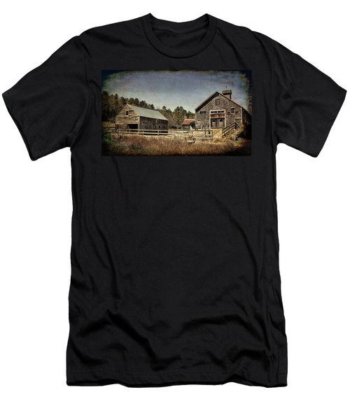 Men's T-Shirt (Athletic Fit) featuring the photograph New Hampshire Old Barn  by Betty Pauwels