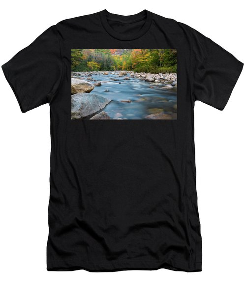 New Hampshire Swift River And Fall Foliage In Autumn Men's T-Shirt (Athletic Fit)