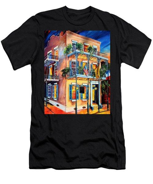 New Orleans' La Fitte's Guest House Men's T-Shirt (Athletic Fit)