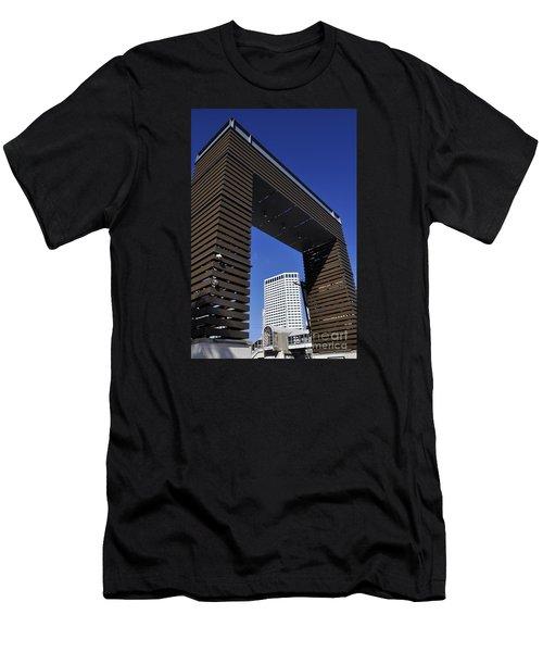 New Orleans Riverwalk Men's T-Shirt (Athletic Fit)