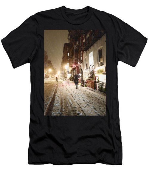 New York City - Snow - Night Men's T-Shirt (Athletic Fit)