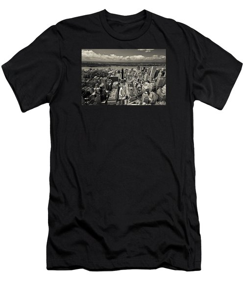 New York Husdon Men's T-Shirt (Athletic Fit)