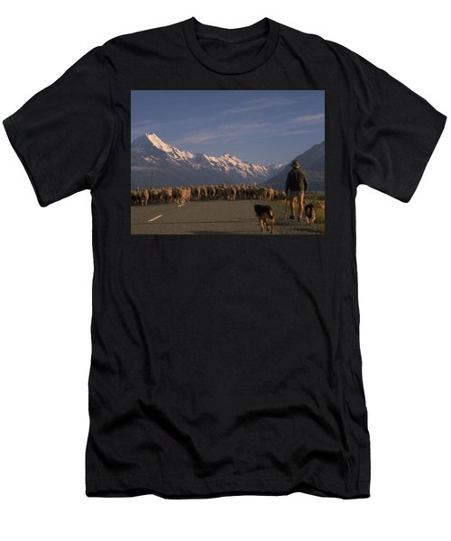 New Zealand Mt Cook Men's T-Shirt (Athletic Fit)