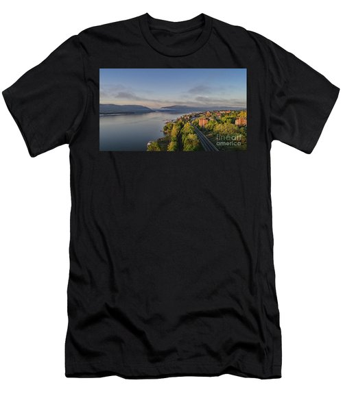 Newburgh Waterfront Looking South Men's T-Shirt (Athletic Fit)