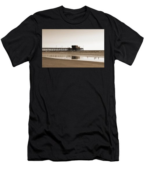 Newport Beach Pier Men's T-Shirt (Athletic Fit)