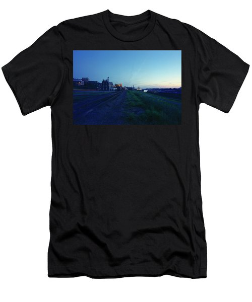 Night Moves On The Mississippi Men's T-Shirt (Athletic Fit)