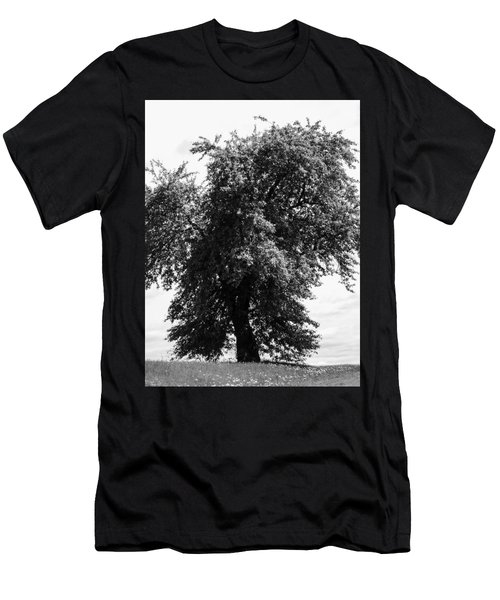 Nina Tree Dressed Out Bw Men's T-Shirt (Athletic Fit)