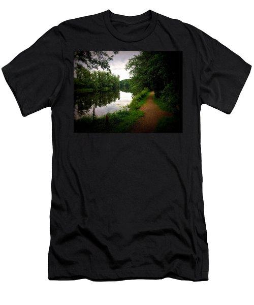 Nissan River Rapids 1 Men's T-Shirt (Athletic Fit)