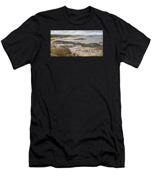 North Berwick, East Lothian Men's T-Shirt (Athletic Fit)
