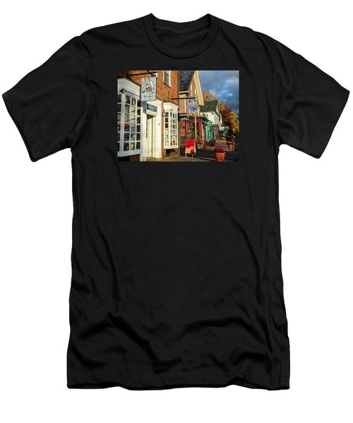 North Conway Village 2 Men's T-Shirt (Athletic Fit)