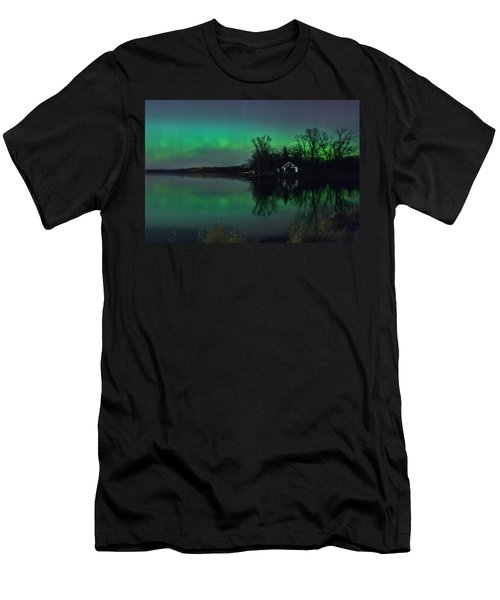 Northern Lights At Gull Lake Men's T-Shirt (Athletic Fit)