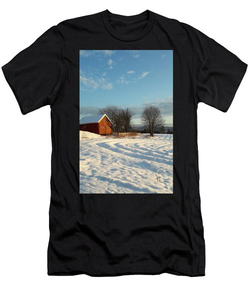 Norwegian Winter  Men's T-Shirt (Athletic Fit)