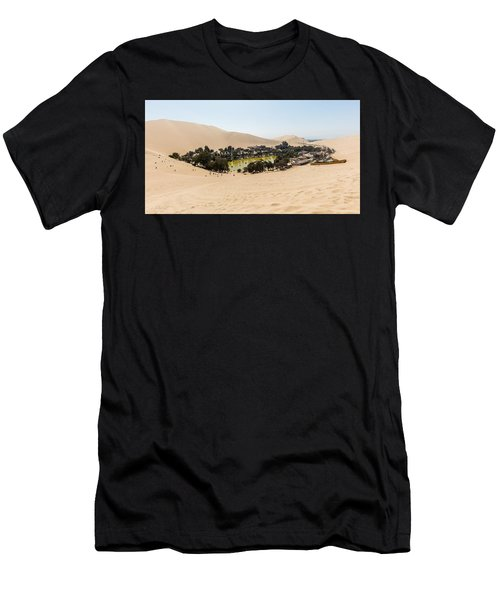 Oasis De Huacachina Men's T-Shirt (Athletic Fit)
