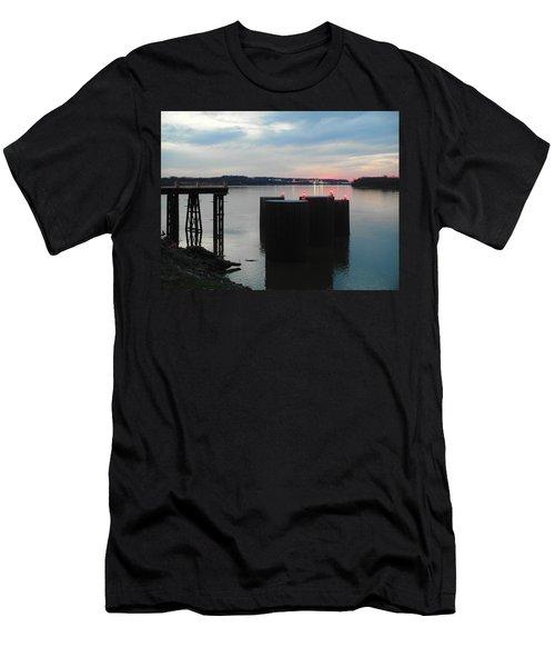 Ohio River View Men's T-Shirt (Athletic Fit)