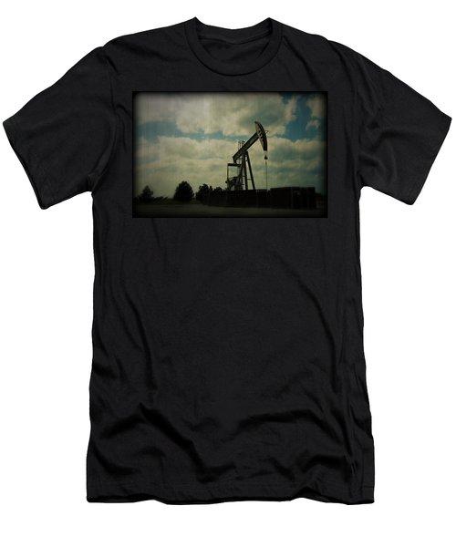Oil Pumpjack Holga Men's T-Shirt (Athletic Fit)