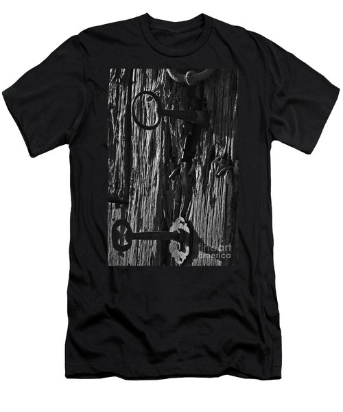 Old And Abandoned Wooden Door With Skeleton Keys Men's T-Shirt (Athletic Fit)
