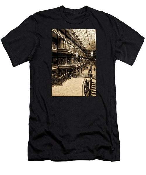 Old Arcade Men's T-Shirt (Athletic Fit)