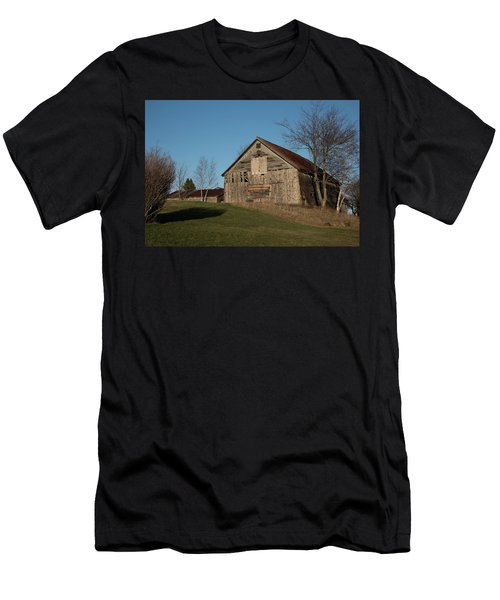 Old Barn On A Hill Men's T-Shirt (Athletic Fit)