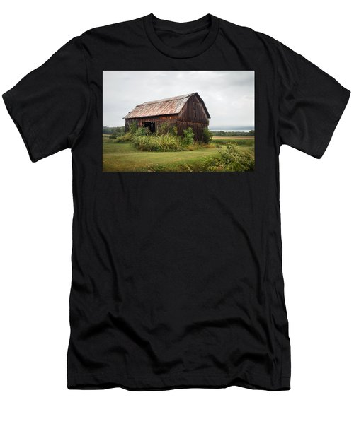 Old Barn On Seneca Lake - Finger Lakes - New York State Men's T-Shirt (Athletic Fit)