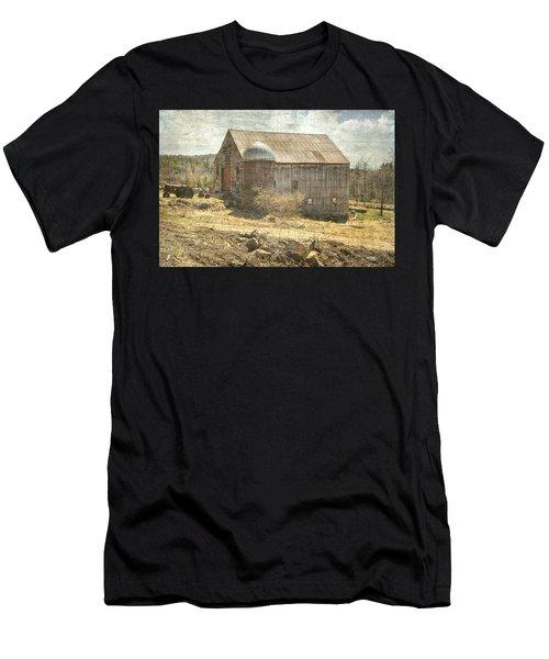Old Barn Still Standing  Men's T-Shirt (Athletic Fit)