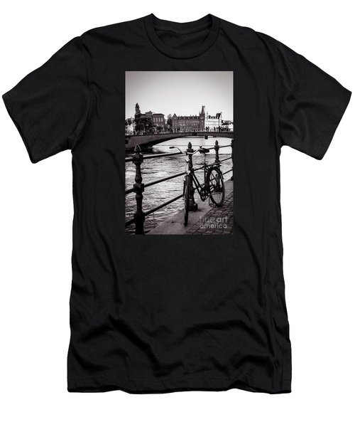 Old Bicycle In Central Stockholm Men's T-Shirt (Athletic Fit)