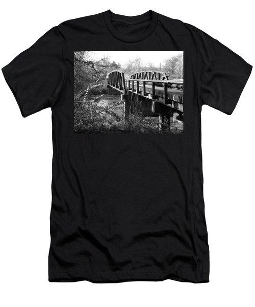 Old Bridge Men's T-Shirt (Athletic Fit)