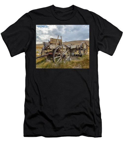 Old Buckboard Wagon Men's T-Shirt (Athletic Fit)