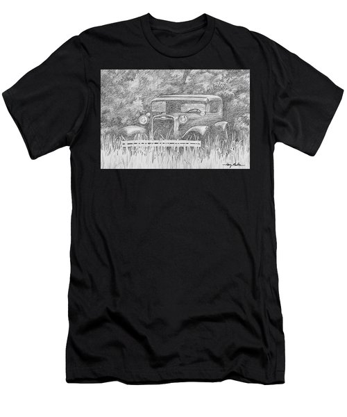 Old Car At Rest Men's T-Shirt (Athletic Fit)