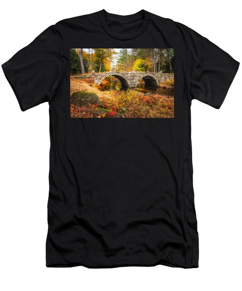 Old Carr Bridge Men's T-Shirt (Athletic Fit)