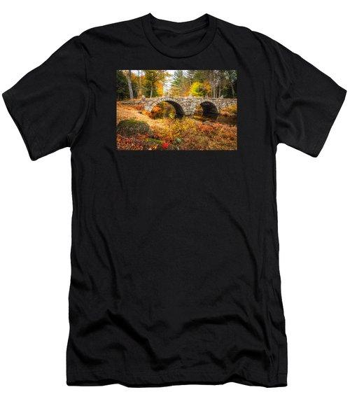 Old Carr Bridge Men's T-Shirt (Athletic Fit)